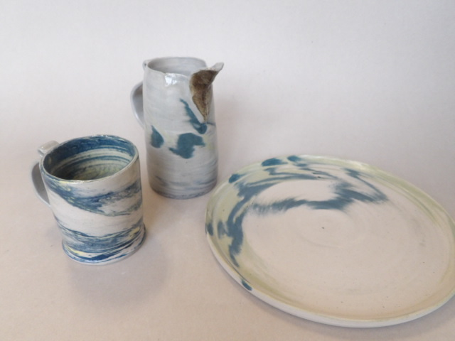 Marbled ceramic table ware